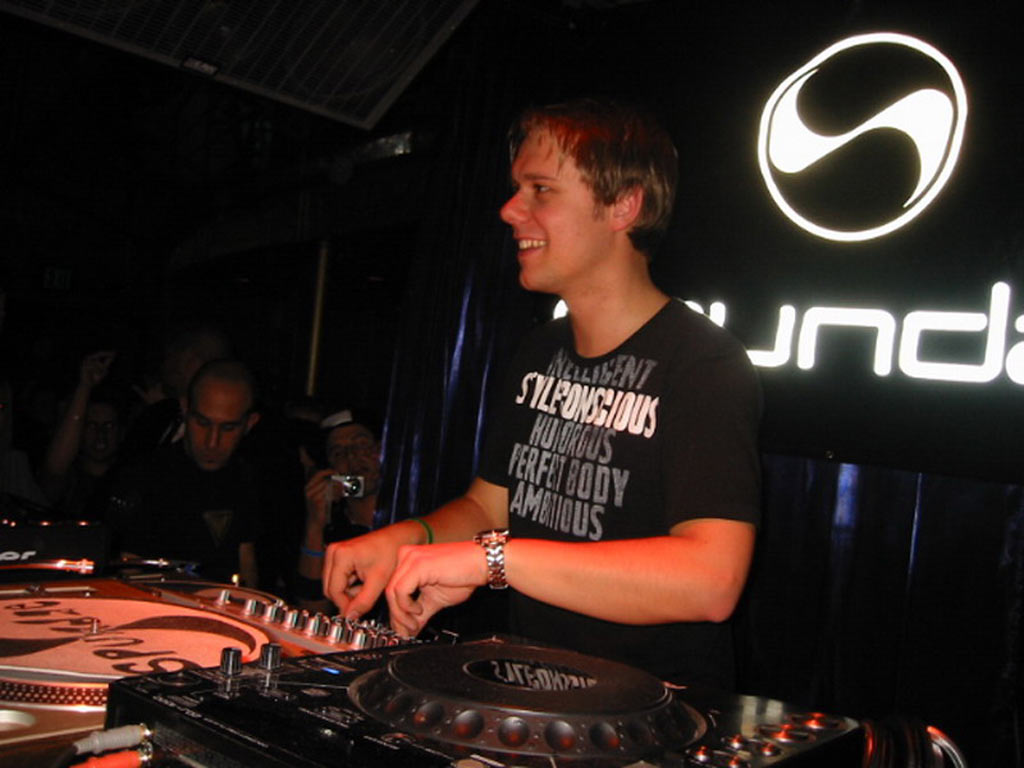 Armin Van Buuren A State Of Trance Episode 660 24 04